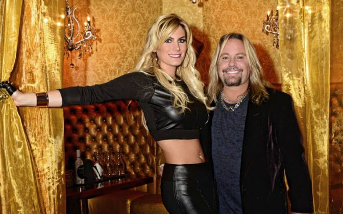 vince neil rain hannah - MÖTLEY CRÜE Fans React After Vince Neil & His Gf Ask For Forgiveness While Penning A New Letter