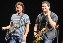 "wolfgang eddie - Wolfgang Van Halen Pays Tribute To Eddie Van Halen With A New Letter Recalling 2020: ""I'll See You There"""