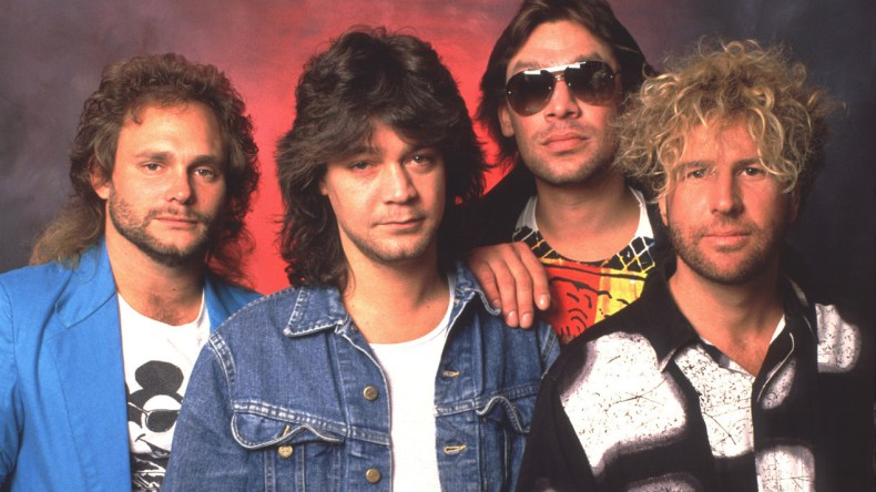 vanhalen - VAN HALEN's Record Label Wanted Band To Change Name After Replacing Lee Roth With Sammy Hagar