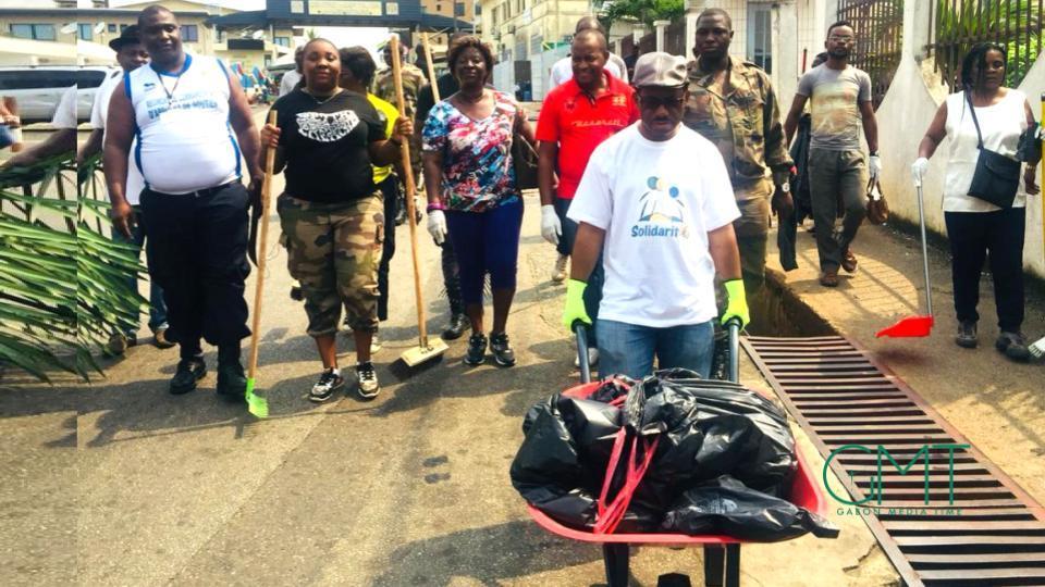 Journée citoyenne/Ministère du Budget : Arthur Benga Ndjeme met la main à la pâte