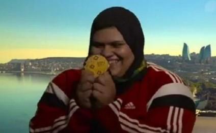 İslamiadada qalib olan qızın anasının QEYRİ-ADİ SEVİNCİ