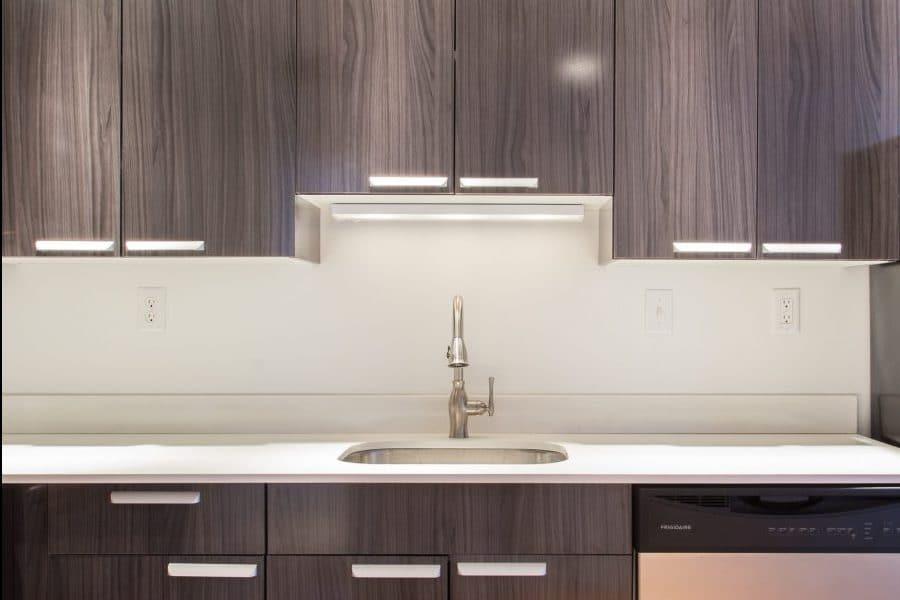 composite countertops kitchen backsplash cabinets - metropolitan
