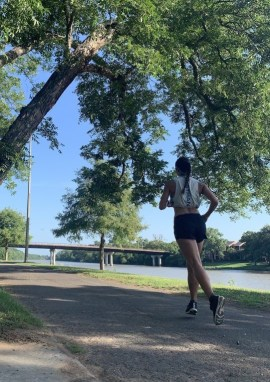 running gear for any weather, running gear for cold weather, running gear for hot weather, running clothes for cold weather, running clothes for hot weather, what to wear running in rain, winter running gear women's