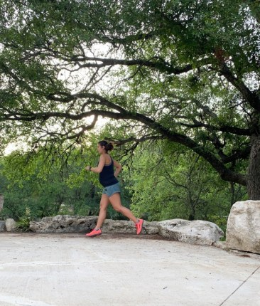 28 week bumpdate, working out while pregnant, how to stay healthy while pregnant, how to workout while pregnant, can you run while pregnant, can you crossfit while pregnant, 28 weeks pregnant, 28 weeks pregnant blog