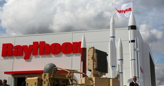 Raytheon Technologies is the world's fourth-largest seller of weapons. (Photo: Simon Dawson/Bloomberg via Getty Images)