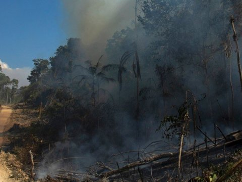 Even with a decree banning fires, flames and clouds of smoke were seen near the city of Novo Progresso, in southern Pará, Brazil, on August 15, 2020. (Photo: Ernesto Carriço/NurPhoto via Getty Images)