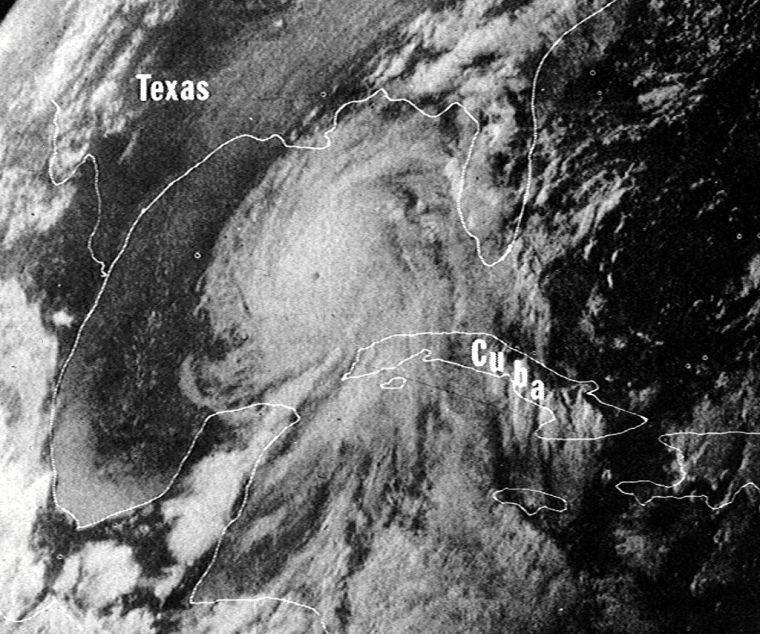 1024px-Hurricane_Camille_16_aug_1969_2340Z