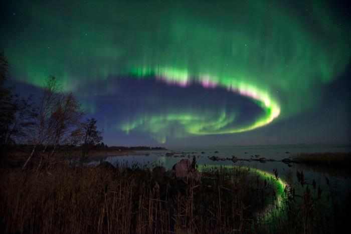 La tormenta geomagnética desde ayer ha dejado espectaculares Auroras Boreales. Imágenes para compartir!
