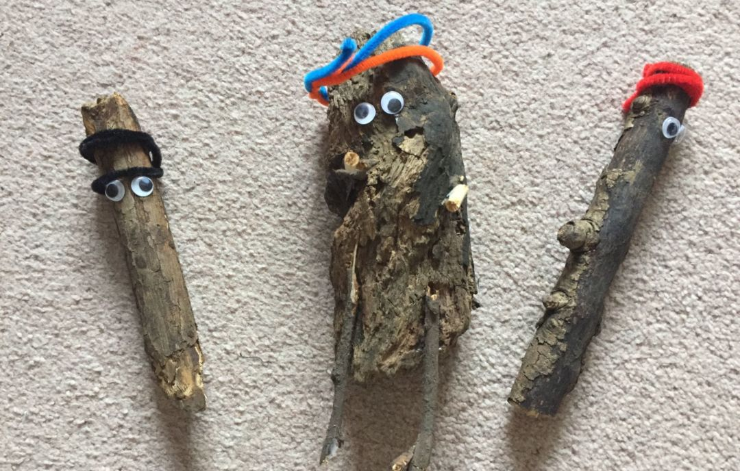 Log people - Nature Based Toddler Group Activities