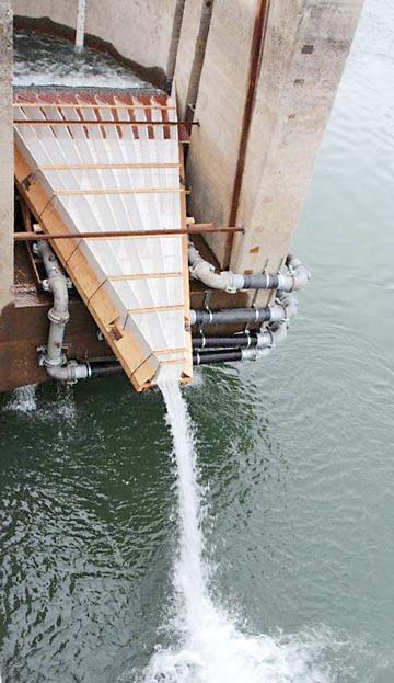 One of the modified Wanapum Dam fish ladders is now ready for fish. Photo courtesy Grant County PUD