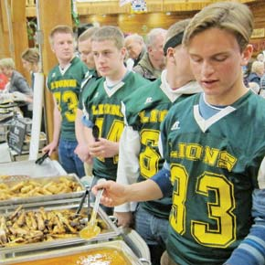 Bite of Methow fills up diners and Kiwanis project fund
