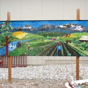 Mural by Twisp painter installed in Leavenworth garden