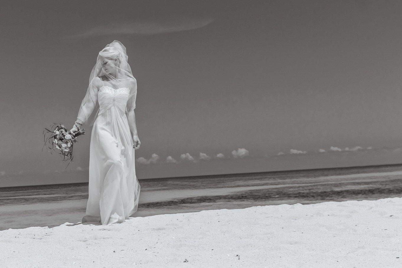 PART 2 WEDDING BEACH COUPLES PORTRAITS COLOUR AND BLACK AND WHITE 003805 (Custom)