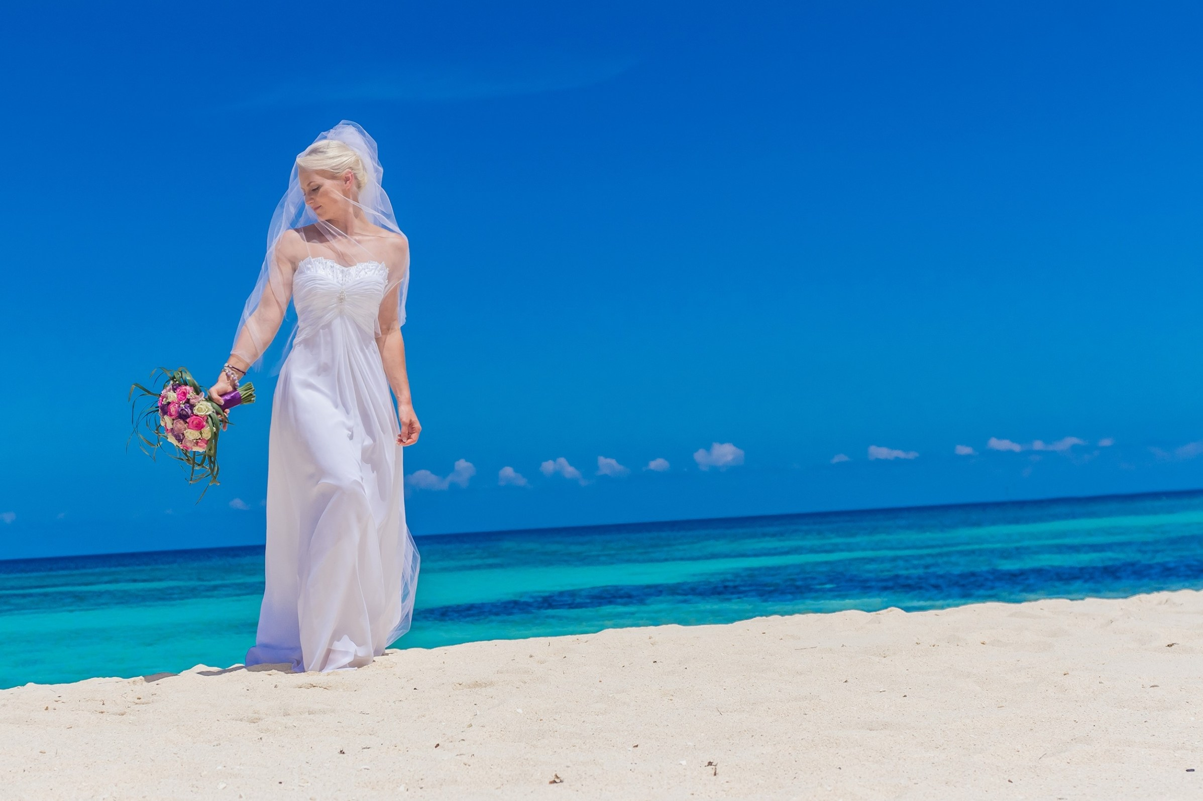 PART 2 WEDDING BEACH COUPLES PORTRAITS COLOUR AND BLACK AND WHITE 003807 (Custom)
