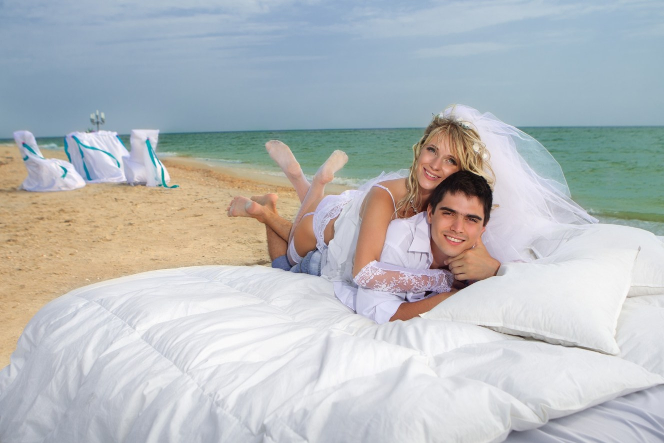 PART 2 WEDDING BEACH COUPLES PORTRAITS COLOUR AND BLACK AND WHITE 003828 (Custom)