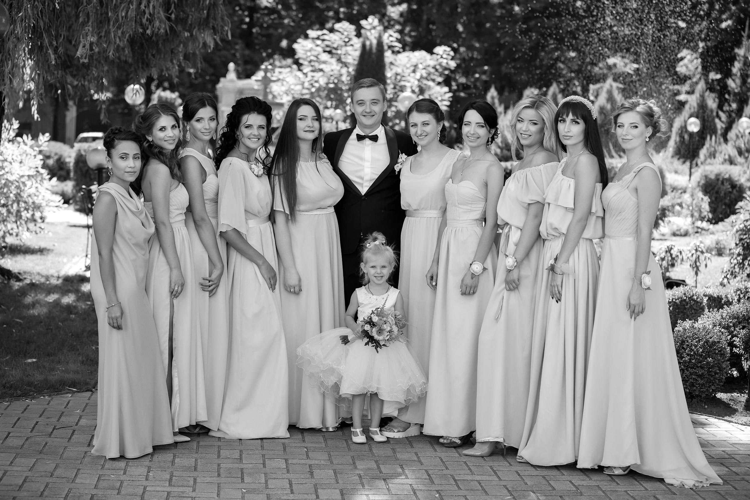 CANON WEDDING BRIDESMAIDS WITH BRIDE PHOTO AWARDS 003445 (Custom)