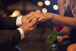 WEDDING ENGAGEMENT LOVE MOMENTS 007632 (Custom)