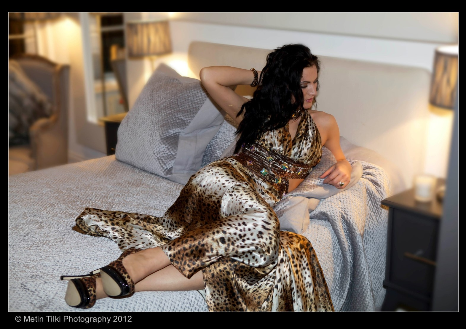 PART 2 HIGH GLAMOUR FASHION FEMALE COLOUR PORTRAITS STYLED STUDIO AND LOCATION SHOTS 006618 (Custom)