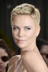 Charlize-Theron-Pixie-Cut