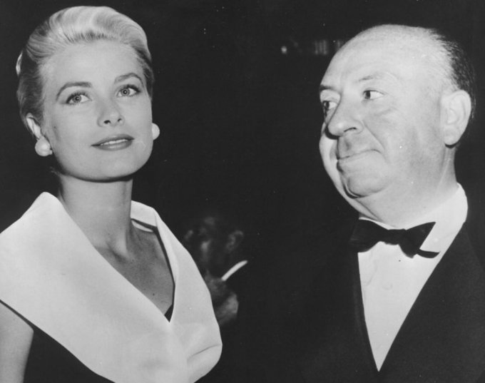 grace-kelly-alfred-hitchcock-1954-680x537