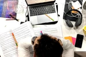 cropped come si studia universita copertina 2 1 - Come si studia all'università: i 4 Passi per Laurearti Velocemente e con Voti Alti.