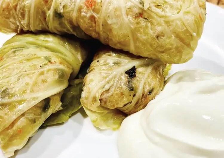 greek cabbage rolls recipe lahanodolmades