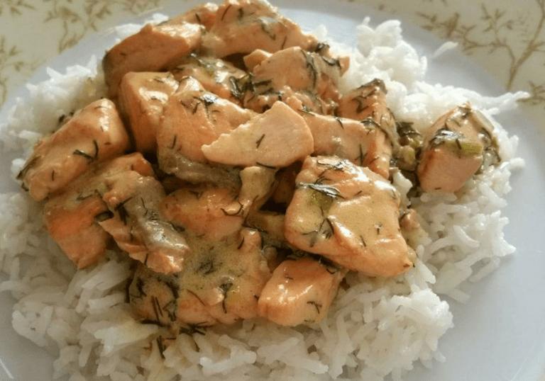 Σολομός με μυρωδικά και ρύζι μπασμάτι, γράφει η Έφη.