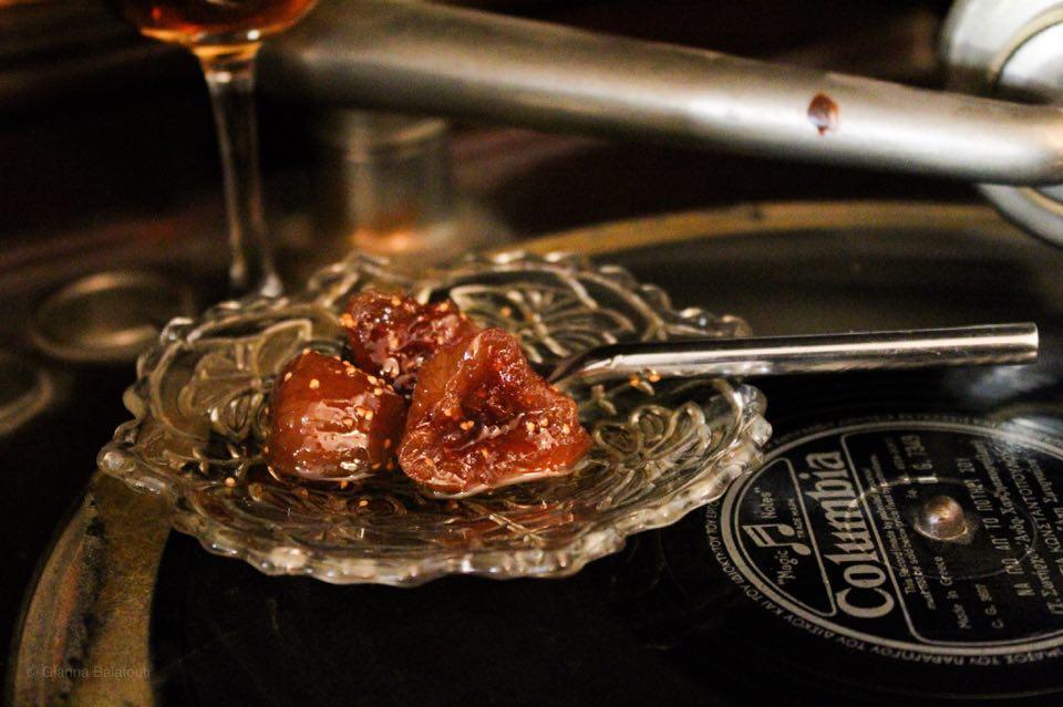 αποξηραμένα σύκα dired figs in sirup