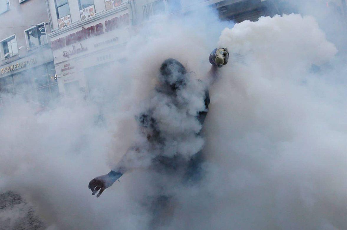 من تفريق لإحدى المظاهرات في تركيا، 2013