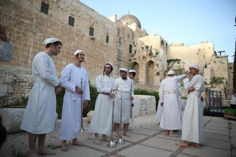 مراسم تقديم قرابين عيد الفصح
