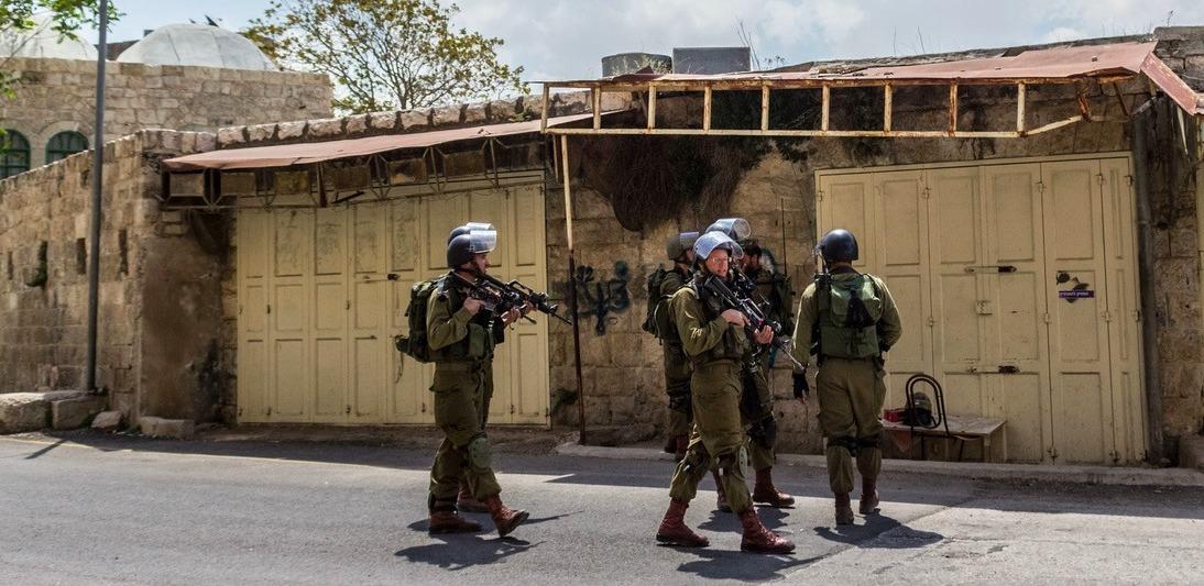 """""""كورونا"""".. أين اختفى الاحتلال الإسرائيلي؟"""