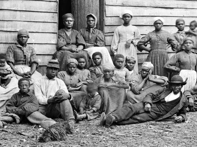 طريق العبد.. عن الإرث العبوديّ لسود أميركا