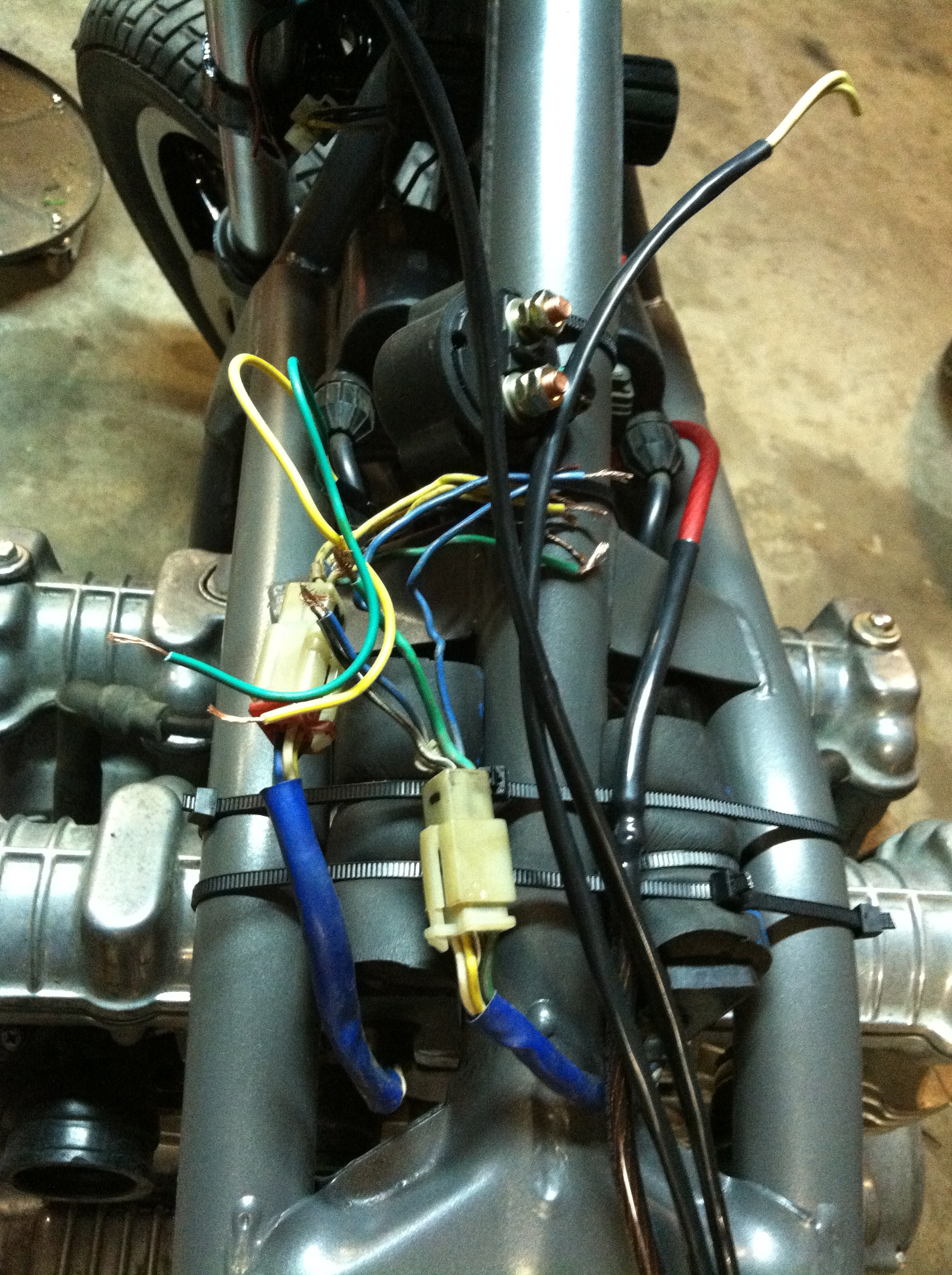 hight resolution of got all my electrical components on the bike just need to wire it all together now what you see here will all be cleaned up and hidden under the tank of