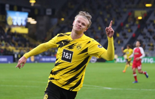 Borussia Dortmund chief gives update on Chelsea target Erling Haaland