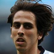 Benayoun Hammers out new deal