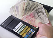 How to keep your cash on holiday