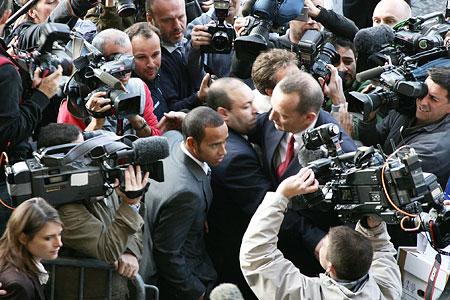 Lewis Hamilton in media scrum