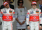 Alonso denies Hamilton rift