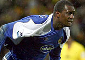 Bruce rules out Heskey sale