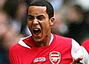 Arsenal's Walcott tipped to shine