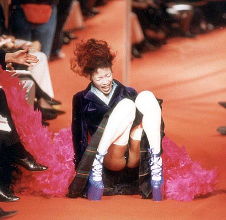 Naomi high heels fall