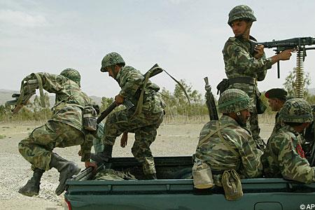 pakistan troops