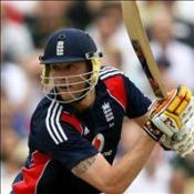 Flintoff off to a flyer