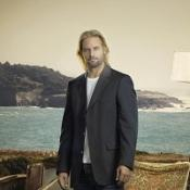 Sawyer strips down for Lost