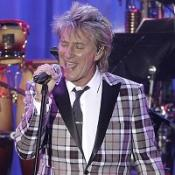 Rod Stewart to sing at charity ball