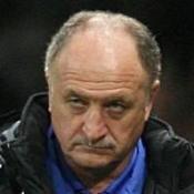 Robinho backs compatriot Scolari