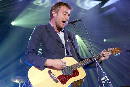 Critics have given Blur 5 stars for their first comeback show