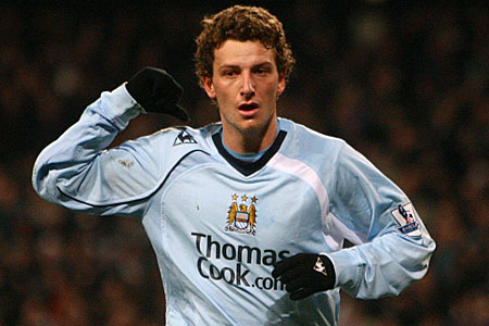 On the move: Elano