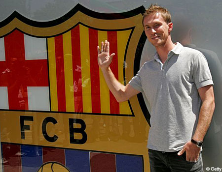 Happy Nou Camper: Alexander Hleb doesn't want to leave Barcelona