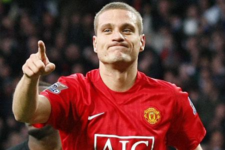 Manchester United captain Nemanja Vidic targeted by AC Milan